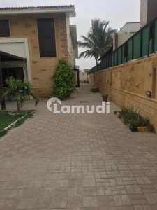 Defence Phase 6 1000 Sq Yards Portion For Rent With Separate Gate
