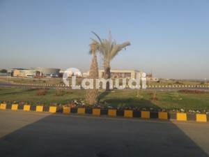 2000 Yard Divided 1000+1000 E Zone Chance Deal Available DHA