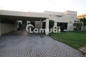 2.5 Kanal House With Basement For Rent Tufail Road Lahore Cantt