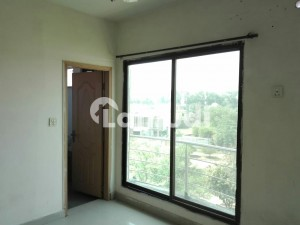 4 Marla Flat Is Available For Rent