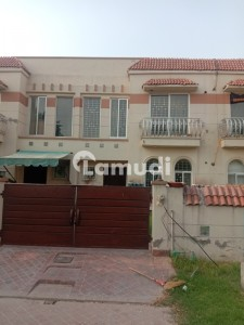 Paragon City 6 Marla House For Rent With Gass