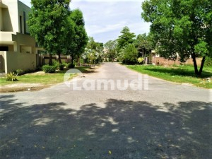 Facing Park Kanal Pair Corner Plot For Sale On 50 Feet Road
