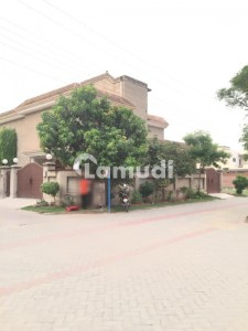 Upper Portion Of One Kanal House For Rent With Separate Gate Garage