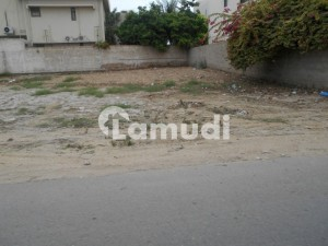 Clear Location 200 Sq Yards Commercial Plot At Very Well Known Peninsula Commercial Lane 10