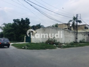 9000  Square Feet Residential Plot Is Available For Sale In Model Town - Block D