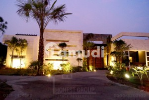 4 Kanal Furnished Farmhouse For One Day Event With Temperature Controlled Pool