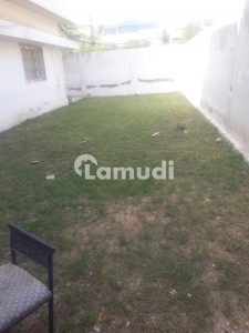 Main Road Commercial For Rent 600 Sqyd North Nazimabad Block J