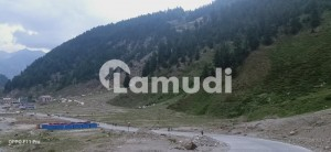 10 Kanal Plot For Sale At Awesome Location.