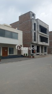 1125  Square Feet Building Is Available In Chak 208 Road