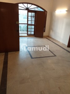 First Floor Portion With Separate Gate Near To The Forum Available For Rent