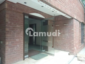 18 Marla House For Rent In  Gulberg II Lahore