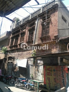Corner Commercial Building having 3 shops Near Sadar Gate